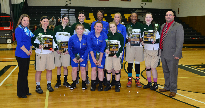 2 17WBBALLTeamSeniorNight2016FeatureStory