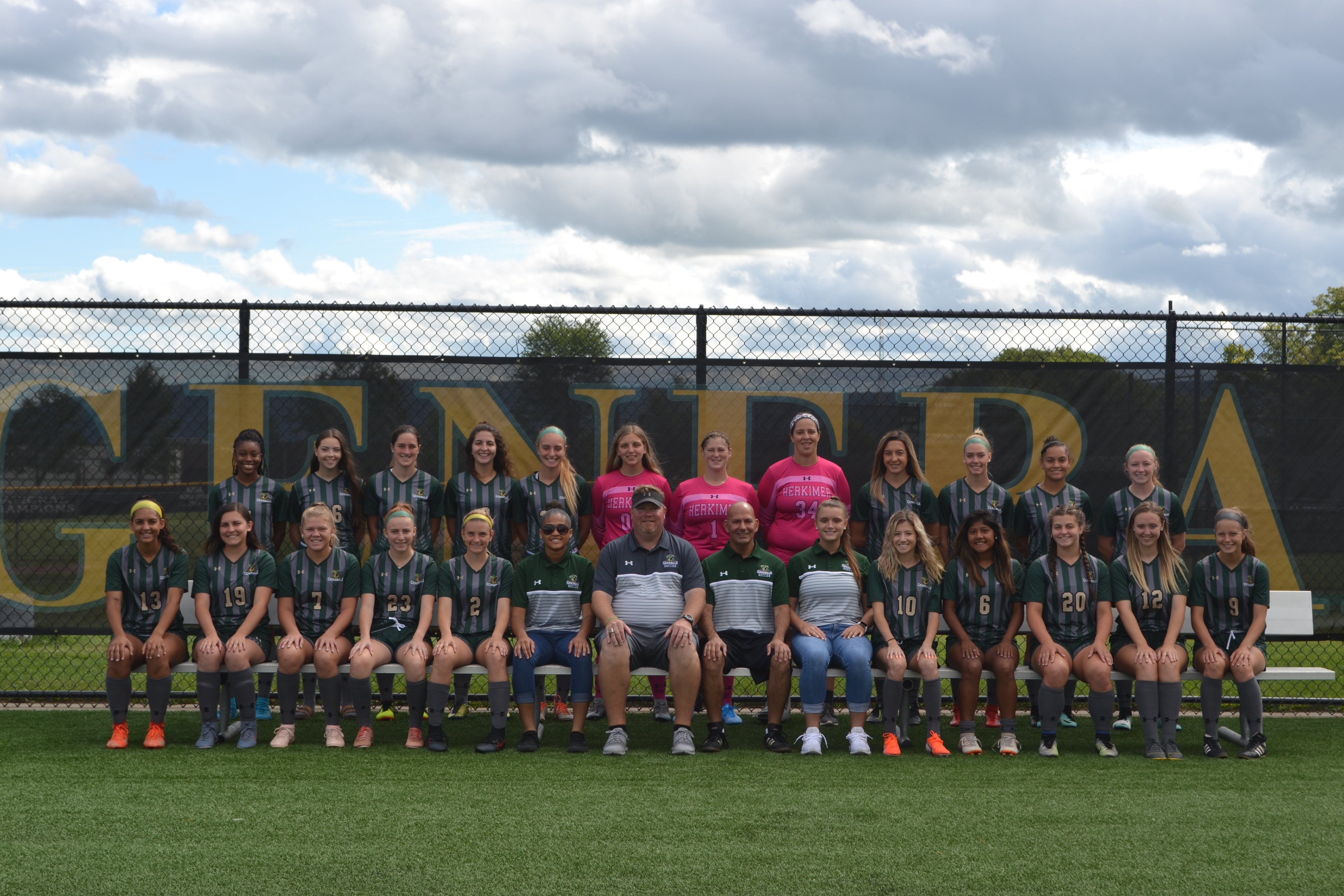 2019 Womens Soccer Team Picture