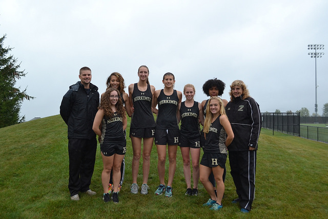 Womens x country team photo